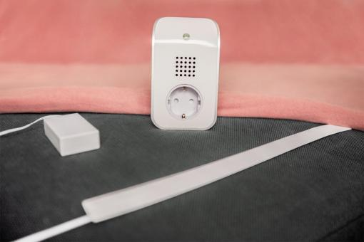 Motion detector in bed with Plug-in Socket Receiver